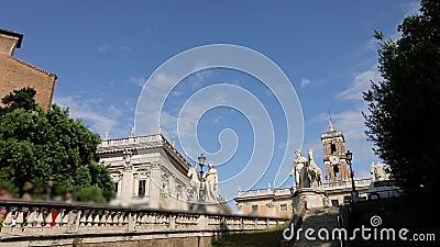 Лестница перед дворцом сенаторов, Дворец сенаторов Рим Италия акции видеоматериалы