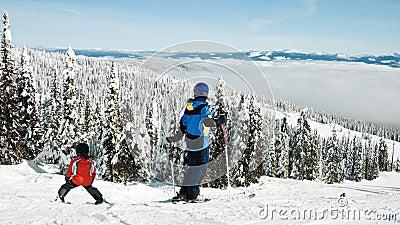 лыжа семьи