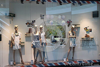 Магазин моды Редакционное Стоковое Изображение