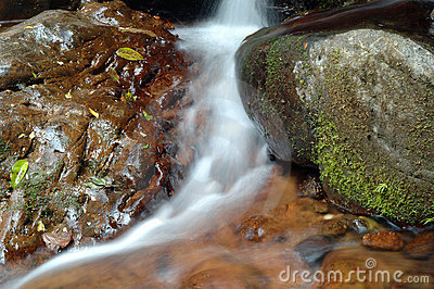 малый водопад