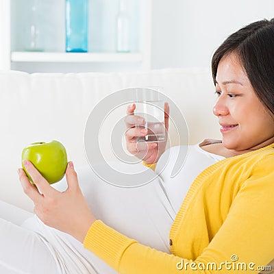 Материнское питание.