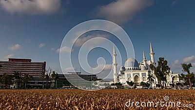 Мечеть Ahmad Shah султана Timelapse - Masjid Negri, Kuantan, Малайзия сток-видео