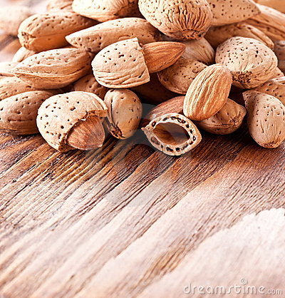 миндалины nuts