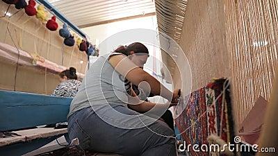 Работа восточным девушкам поздравить девушек на работе