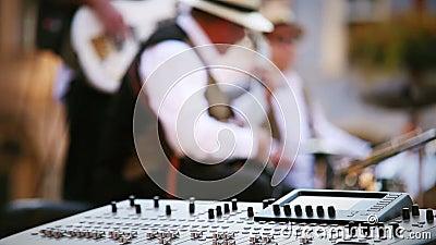 Момент записи музыки джаз-бэнда акции видеоматериалы