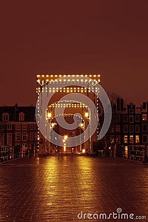 Мост Thiny в Амстердаме Нидерландах