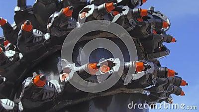Мощный сверля инструмент Привинтьте сверло, оборудованное с карбид-наклоненными элементами и зубами акции видеоматериалы