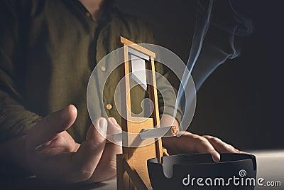 Наркомания вырезывания