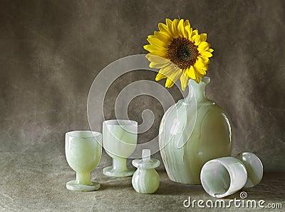 Натюрморт с солнцецветами