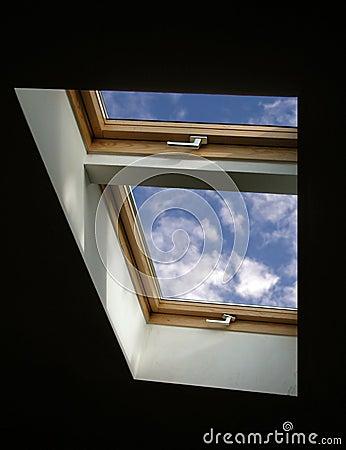 небо к окну