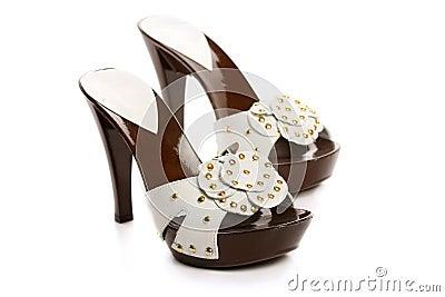 новая женщина ботинок