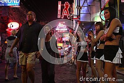 Ночная жизнь в Pattaya, Таиланде. Редакционное Изображение