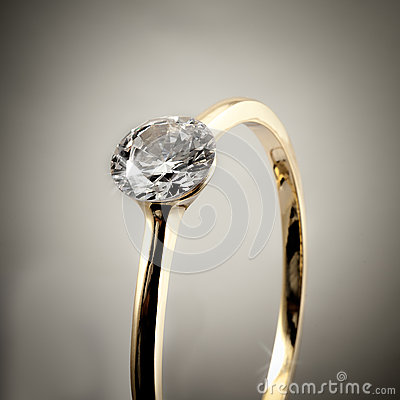 Обручальное кольцо диаманта