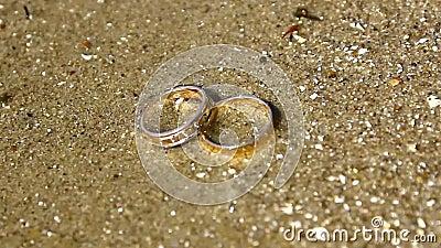 Обручальные кольца в wather