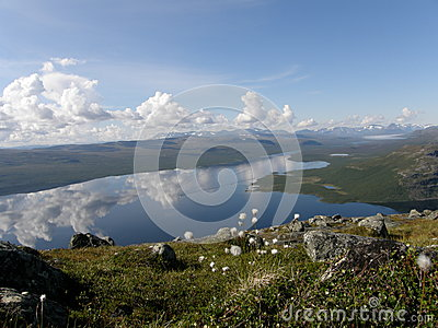 Озеро Kilpisjarvi от горы Saana, Лапландии
