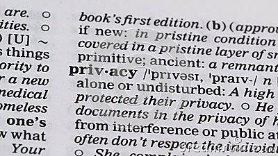 Определение конфиденциальности указано в словаре, право оставаться в одиночестве или без помех сток-видео