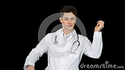 Ортопедист разговаривает с камерой и танцует после всего будет хорошо, Альфа Канал акции видеоматериалы