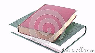 Отснятый видеоматериал старых книг сток-видео
