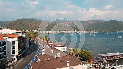 Панорама старого города Взгляд сверху крыш курортного города Marmaris, Турции Красивый вид сверху дальше  акции видеоматериалы