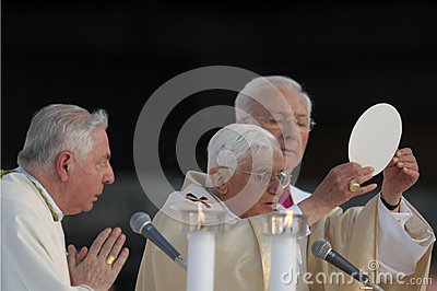 Папа Иосиф Венедикт XVI Редакционное Фотография