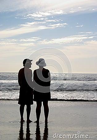 пары пляжа Редакционное Фотография