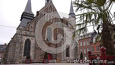 Передний экстерьер церков в Broglie, Нормандии Франции сток-видео