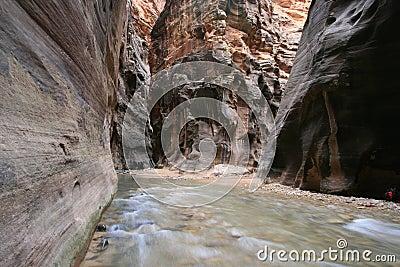 пересечение каньона