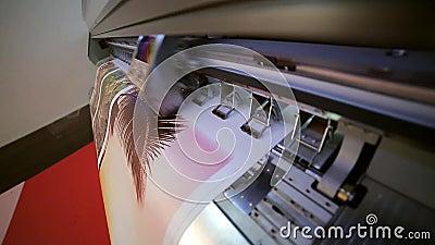 Печатать на прокладчике видеоматериал
