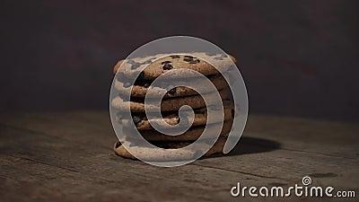 Печенья с шоколадом crumbs, вращение 360 градусов сток-видео