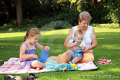 пикник семьи
