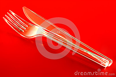 Пластичные нож и вилка
