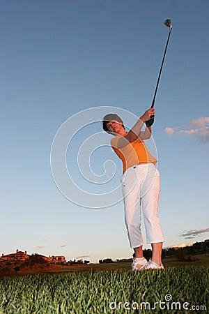 повелительница игрока в гольф