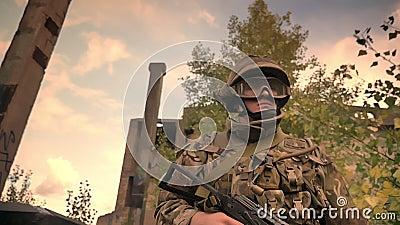 Подлинный кавказский солдат в камуфлировании идя через пустую конструкцию кирпича и высокую траву держа его оружие акции видеоматериалы