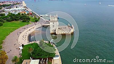 Полет вокруг знаменитой башни Белем в Лиссабоне сток-видео