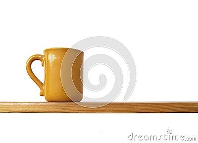 полка чашки