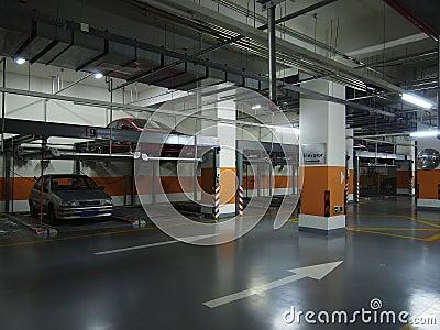 Подземная стоянка автомобилей
