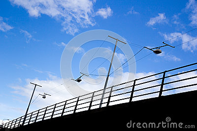 Поднятая дорога с railing