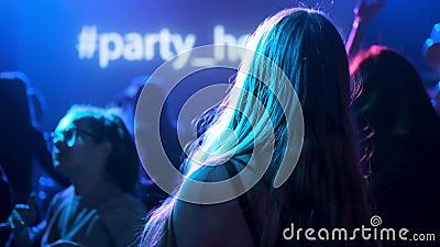 Видео как танцевать в ночном клубе ретро дискотека клуб москвы