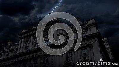 Преследовать ноча замка & молния (HD) акции видеоматериалы