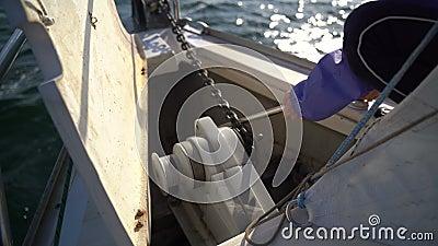 Привязочная цепь с лебедкой видеоматериал