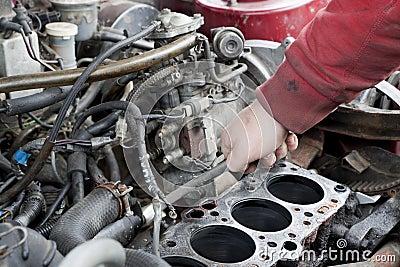 проверите двигатель вверх