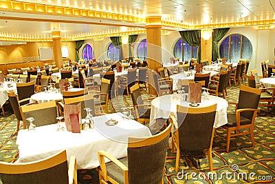 пустой ресторан