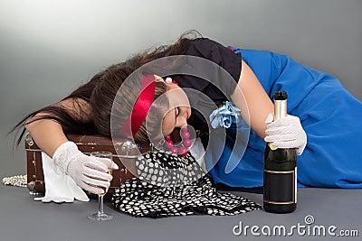 пьяная баба из чемодана