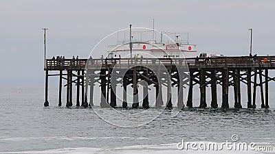 пляж newport акции видеоматериалы