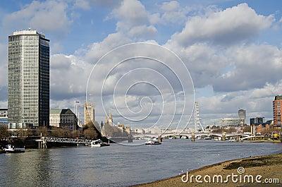 Река Темза на Vauxhall