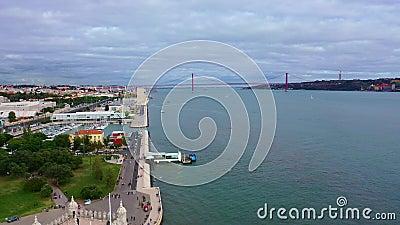 Река Техо также называлась рекой Тагус в Лиссабоне с знаменитым мостом 25 апреля видеоматериал