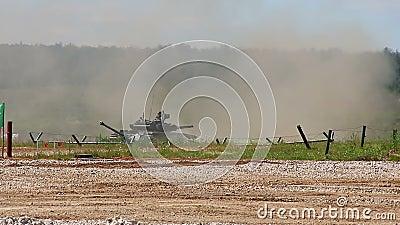 Русское включение танка T-80U акции видеоматериалы