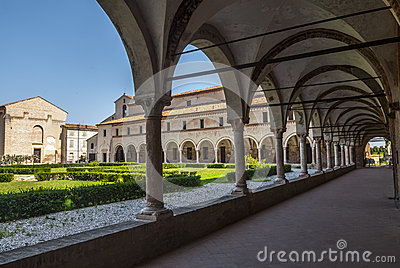 Сан Benedetto Po - монастырь аббатства