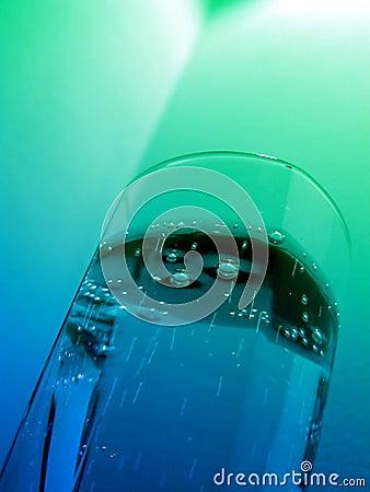 сверкная вода