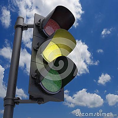 Светофор - желтый цвет